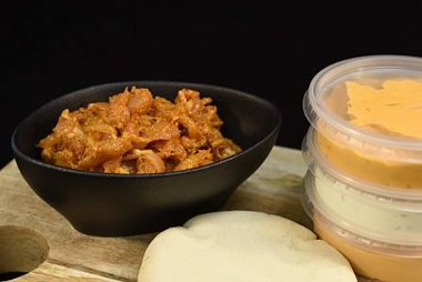 Pita van kip met gratis broodjes en sausje (look, cocktail of andalouse) 13,70 €/kg