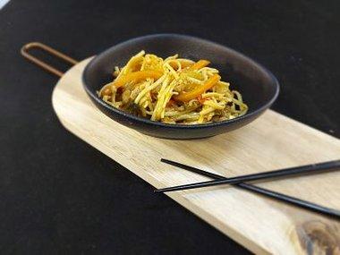 Japanse noedelsalade met kip 19,50€/kg
